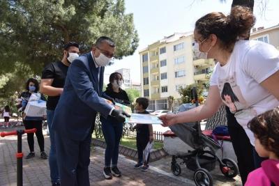 Başkan Bülent ÖZ'den  Çocuklara Sürpriz Hediyeler