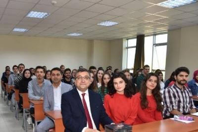 Başkan Öz'den Üniversitede Halkla İlişkiler Dersi
