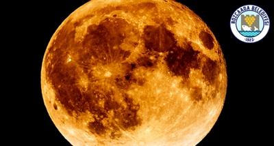 """Bozcaadalılar 16 Temmuz 2019 akşamı gerçekleşecek olan """"Parçalı Ay Tutulması""""  takip edilebilecek."""