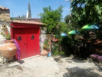 Bu Köyde Düğün ve Mezuniyet Fotoğrafı Çektirmek Parayla