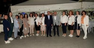 Bülent Turan Türk Kızılay kermesine katıldı