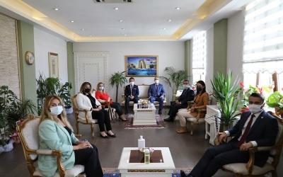 Çanakkale Barosu Yeni Yönetimi Vali İlhami AKTAŞ'ı Ziyaret Etti