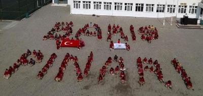 Çanakkale Öğrencilerden Mehmetçiğe Destek
