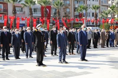 Çanakkale'de Atatürk Anıtı'na Çelenk Konuldu