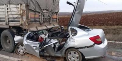 Çanakkale'de Tıra Arkadan Çarpan Otomobilin Sürücüsü Öldü