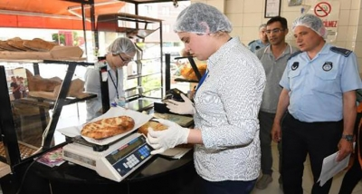 Çanakkale'de zabıta ekipleri, gıda ürünlerini denetledi