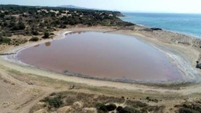 Herkes, Kalpli Gölün Pembeleşmesini Bekliyor