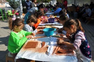 İlkokul Öğrencileri Seramik Ürünleri Yaptı