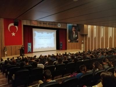 İŞKUR'un Meslek Seçimi ve İş Arama Becerileri Eğitimi Öğrenciler Tarafından Büyük İlgi Gördü