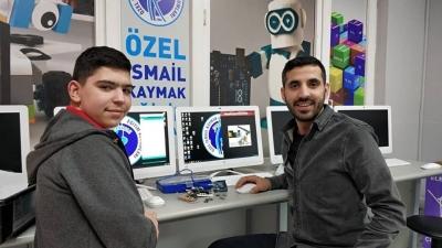 """İsmail Kaymak Kolejinden Engelli Dostu İcat """" Kaybolmayan Eşya"""" Projesiyle Uluslararası Başarı"""