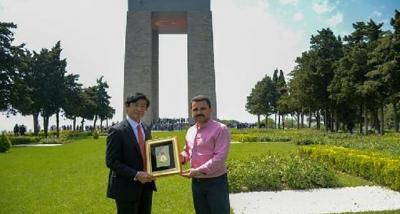 Japon Büyükelçi, Çanakkale Şehitliği'nde