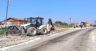 Lapseki'de Köy Yolları Asfalt Onarım Çalışmaları Yürütülüyor