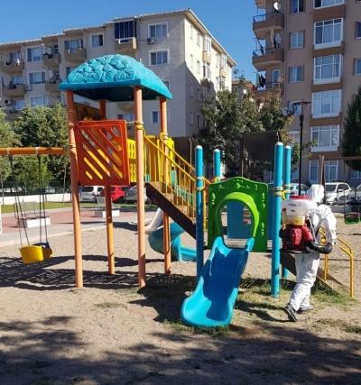 Parklarda Dezenfeksiyon Çalışmaları Sürüyor