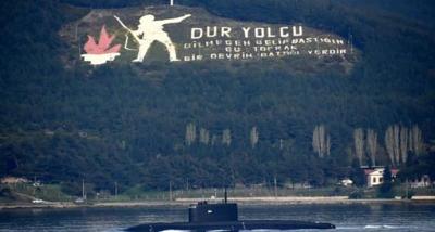 Rus Denizaltısı 'Stary Oskol', Çanakkale Boğazı'ndan geçti
