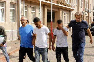 Telefon Dolandırıcıları Parayı Alırken Yakalandı