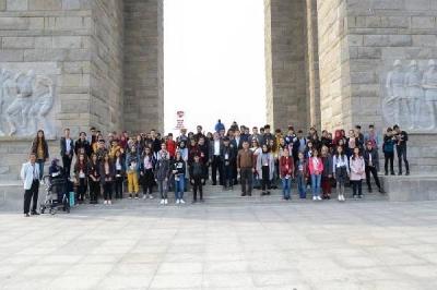 'Yarın Çok Genç Olacak' Projesiyle Öğrenciler Tarihi Alanı Gezdi